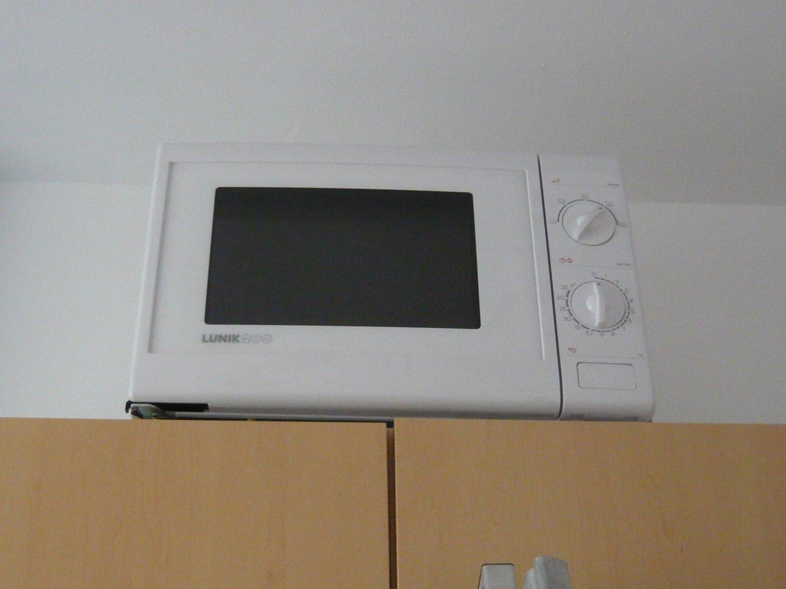 Mikrowelle In Schrank Stellen : mopsis baublog mikrowelle angeschlossen ~ Watch28wear.com Haus und Dekorationen